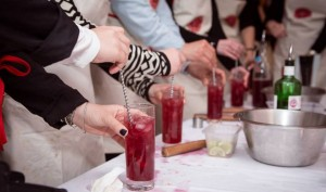 cocktails-events-mobile-gin-red-drink-ice